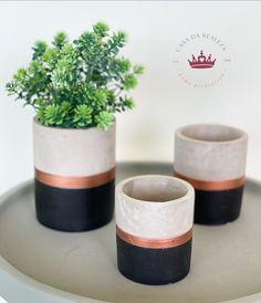 Flower Farm, Flower Pots, Glamour Decor, Plant Box, Diy Crafts Hacks, Cement Crafts, Dream Home Design, Painted Pots, Concrete
