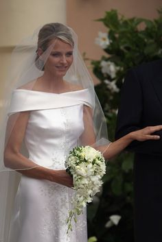 Princess Charlene of Monaco and Prince Albert Wedding Pictures Simple Wedding Bouquets, Modern Wedding Flowers, Bride Bouquets, Bridal Flowers, Flower Bouquet Wedding, Floral Wedding, Wedding Ceremony Ideas, Wedding Gowns, Gardenias