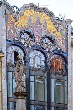https://flic.kr/p/LCfWtf | Budapest - Szervita tér - 2 | Pictures by Björn…