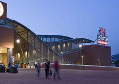 Profilpas ha fornito il #battiscopa Metal Line 89 per la finitura delle sale del nuovo cinema multisala del Centro Commerciale La Torre di #Palermo. Scopri di più qui!