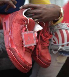 Trinidad James with Air Jordan Retro 3 All Red Nike Free Shoes, Nike Shoes Outlet, Nike Air Jordans, Retro Jordans, Nike Free Runners, Jordan Retro 3, Nike Basketball Shoes, Victorias Secret Models, Nike Free