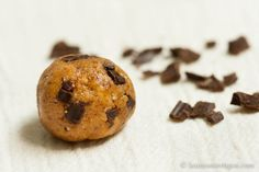 raw almond choc cookies