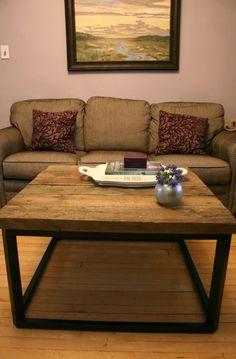 DIY Coffee Table Of Reclaimed Barn Wood (via usedeverywhere)