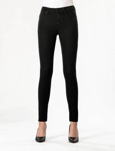 Sylvia Stay Black Super Skinny Jeans  Description: Cup of Joe is een denim label dat zich sinds jaar en dag laat inspireren door de fijne dingen des levens. COJ beschouwt jeans in navolging van bijvoorbeeld een kop koffie als een daily essential. Iets waar we in ons dagelijks bestaan dus niet zonder kunnen. Vandaar ook het grote aantal varianten in de shop.Leading rock ladies als Blondie en Joan Jett konden back in the day geen dag zonder hun high waisted super skinny jeans. En ook nu zien…