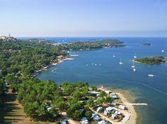 Camping Orsera heeft een schitterende ligging direct aan zee