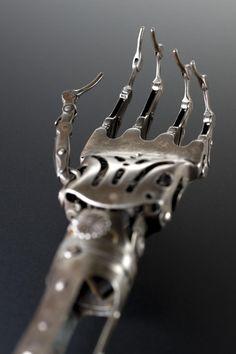 WIKITREE | 19세기에 사용된 의수(義手)