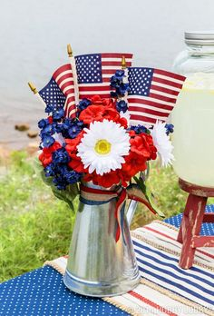 Galvanized tins harken back to a simpler day in time, filled with street parades, home cooked food, and catching fireflies under a summer sky. Use them in your Memorial Day decor for a fresh take on an outdoor classic!