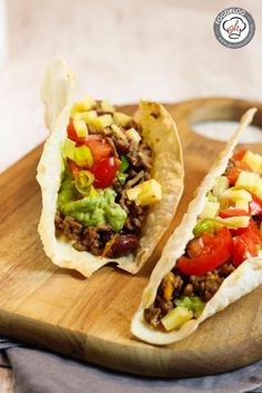 Tacos are Mexican soul food. With homemade tortillas / taco shells, they are super delicious. We have a simple and delicious recipe. Recipe: Tacos - Mexican soul food Sandy Essen und Trinken Tacos are Mexican soul food. With homemade tort Seafood Recipes, Mexican Food Recipes, Snack Recipes, Snacks, Grilling Recipes, Avocado Dessert, Homemade Tortillas, Homemade Tacos, Homemade Chorizo