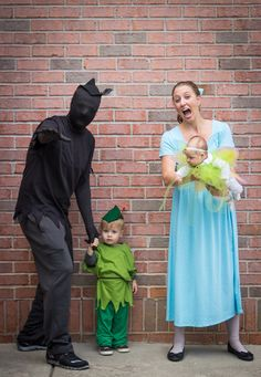 Peter Pan Family Costume   Peter's shadow, Peter Pan, Wendy and Tinkerbell