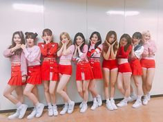 Nayoung, Yuha, Roa, Eunwoo, Yehana