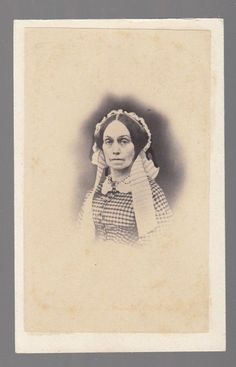 [37797] 1800s CDV PHOTOGRAPH OF OLDER WOMAN (W.G. SMITH: COOPERSTOWN, NEW YORK)