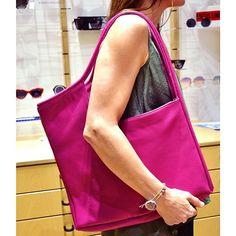 Shopping time! ❤️ . #leatherbag #shoulderbag #totebag #ceramicjewellery #shoppingtime #styleversabag #styleversa