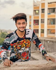 """: """"Hasnain Khan"""" a famous TikTok star with millions of fans. Justin Bieber, Football Workouts, Cute Boy Photo, Chocolate Boys, Cute Attitude Quotes, Top Pic, Dear Crush, Boy Photography Poses, Cute Stars"""