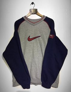 Nike sweatshirt size X/Large (but fits oversized) £32 Website➡️ www.retroreflex.uk #nike #vintage #retro #oldschool #truevintage