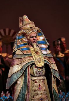 Jose Gallisa as the King in Aida
