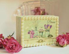 VINTAGE PEARLS jewelry box