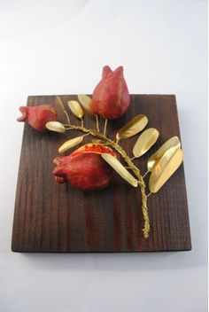 Wooden frame with branches pomegranates of bronze Clay Projects, Clay Crafts, Wooden Frames, Polymer Clay, Pomegranates, Create, Branches, Gifts, Bronze