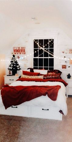 christmas bedroom VSCO - Too many repubs+ favs to count! Christmas Feeling, Cozy Christmas, Christmas Wreaths, Xmas, Christmas Cookies, Cheap Christmas, Christmas Quotes, Outdoor Christmas, Christmas Crafts