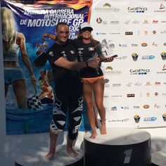 #tbt to the #motosurfgp championship!! #martinsula (jetsurf creator) handing me the womans first place award!! @jetsurfmexico @jetsurf_official #jetsurfgirls #jetsurfer #jetsurf #jetsurfing #jetsurfmexico #jetsurfcancun by miniflymexico