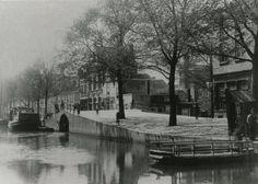 Uilebomen, brug bij de Nieuwe Haven. Rechts een pontje naar de Boomsluiterskade. 1890.