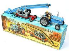 Corgi Toys Farming Set Ford Tractor & Conveyor