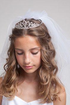 Hair with the tiara veil combo