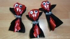 Cute Dracula suckers for kids to take to school or for a Halloween Party..