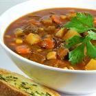 Foto da receita: Sopa de carne com batata e legumes