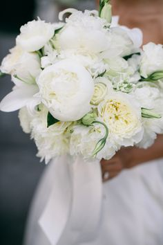 White peonies, roses and lilies | Lang Thomas
