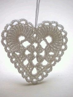 crochet heart by omⒶ KOPPA: Peiliin katsomisen paikka Crochet Motifs, Crochet Diagram, Crochet Squares, Crochet Needles, Thread Crochet, Diy Crafts Crochet, Crochet Projects, Doily Patterns, Crochet Flowers