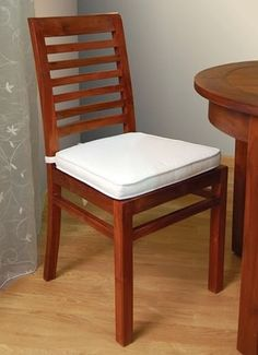 Simple Dining Table, Dining Table Design, Dinning Table, Dining Chairs, Rio Furniture, Furniture Design, Wood Chair Design, Wood Design, Wooden Chair Plans
