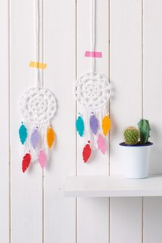 crochet dreamcatcher with felt feathers