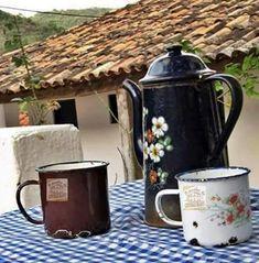 Roça lirios do campo.: café nobule.Aqui na roça a vida começa, assim que...