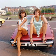 """Not Miss New Brighton, 1978-1979. From the book """"Men/Women"""" © Tom Wood"""