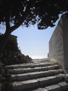 Rhodos, Monolithos