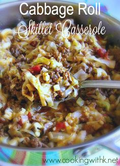 Cabbage Roll Skillet Casserole {with a low carb option using cauliflower rice} Cabbage Roll Skillet Casserole , made on top of the stove with all the ingredients of the traditional cabbage rolls with a low carb option using cauli… Cabbage Rolls Recipe, Cabbage Recipes, Beef Recipes, Cooking Recipes, Healthy Recipes, Pastry Recipes, Skillet Cabbage Recipe, Recipies, Cooking Tools