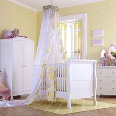 Fairy wishes and twinkling stars, make your little girl's bedroom everything magical with the Lottie Fairy Princess Bumper. www.izziwotnotoutlet.co.uk