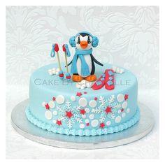 skiing penguin winter / Christmas cake