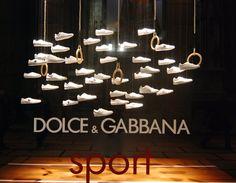Dolce & Gabbana visual merchandising 2012 spring, Milano visual merchandising