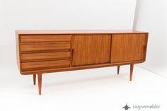 Danish Design Teak Sideboard Designer: Gunni Omann Production: Omann for Oman Jun Møbelfabrik Model No.18