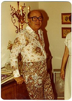 """Positively paisley,"" from Awkward Family Photos Vintage Outfits, Vintage Fashion, Vintage Clothing, Men's Vintage, Vintage Items, Vintage Magazine, Bad Fashion, 1974 Fashion, Fashion Fail"