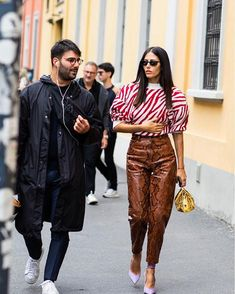 The best street style from Milan Fashion Week Spring/Summer 2020 - Page 11 Fashion Week, Fashion 2020, Star Fashion, Daily Fashion, Runway Fashion, Spring Fashion, Winter Fashion, Milan Fashion, Women's Fashion