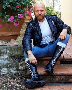 Check in for Antwerp Skinhead Men, Skinhead Boots, Leather Men, Leather Jacket, Bald With Beard, Skin Head, Mens Attire, Motorcycle Leather, Fashion Addict