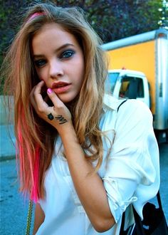 idk when barbara palvin dyed her hair but okay. love it anyway :)