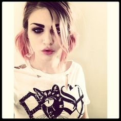 The pink pigtails of Francis Bean Cobain. http://twitter.com/alka_seltzer666
