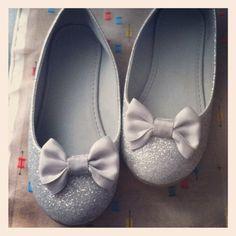 4139dbd27d5d9 H glitter ballet for children. H ballerines pailletees pour enfant. Odette  Bibeau · Soulier fillette