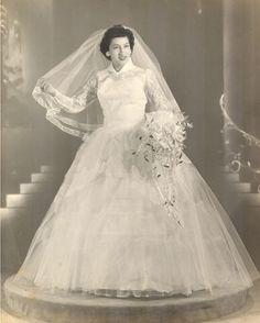 vintagebrides:  1950's bride