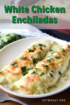 These simple chicken enchiladas are sure to please the whole family. The perfect combination of flour tortillas, chicken and delicious white cream sauce. Easy Dinner Recipes, Easy Meals, Easy Dinner For 2, White Chicken Enchiladas, Rotisserie Chicken Enchiladas, Beef Enchiladas, Sauce A La Creme, Enchilada Recipes, Enchilada Casserole