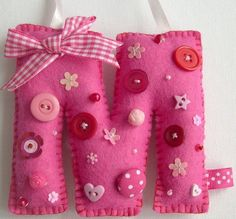Felt Initial with buttons, sequins, beads, bows and embellishments. Fabric Letters, Felt Letters, Sewing Crafts, Sewing Projects, Felt Keychain, Crafts For Kids, Arts And Crafts, Felt Material, Felt Decorations