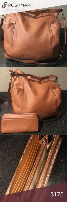 1d69a2e508e586 COACH HAND BAG + WALLET Slouch Coach Handbag and wallet set. Open to offers!